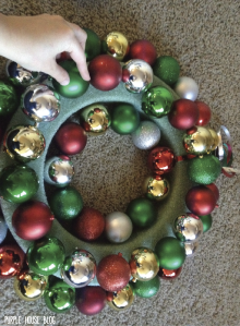 Ornament Wreath 2-01