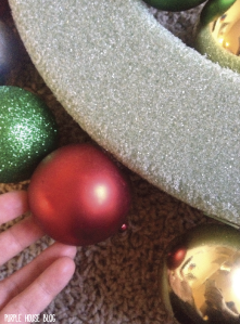 Ornament Wreath 2-03